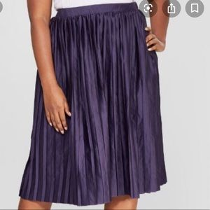Ava & Viv Plus size 3X pleated satin midi skirt